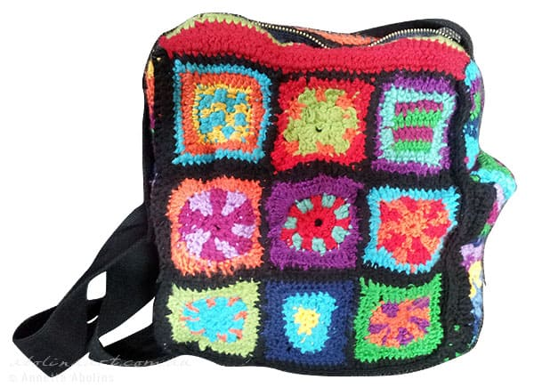 handbag crocheted with pouch for phone